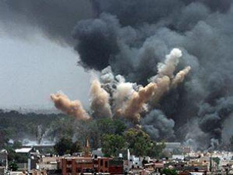 Бомбардувати не припиняють