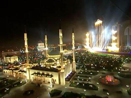 На главной площади города состоялся масштабный концерт