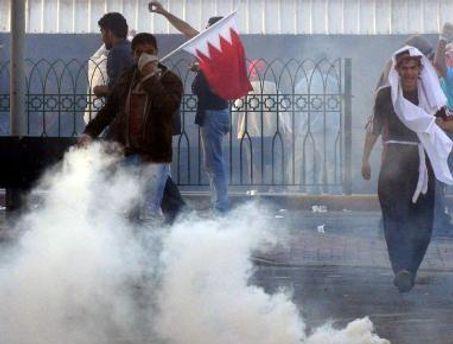 Полиция разогнала протестующих слезоточивым газом и шумовыми гранатами
