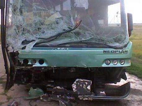 Neoplan сбил двух пешеходов, врезался в два автомобиля и три маршрутки