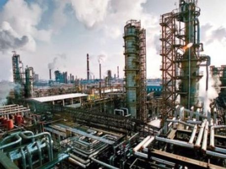 Українським НПЗ скоротили постачання сировини