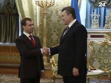 18 октября Янукович должен снова говорить с Медведевым