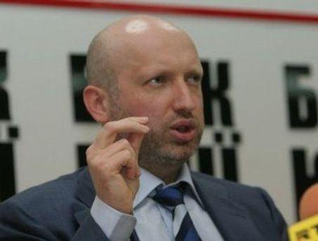 Александр Турчинов говорит, что к Печерскому суду стягивают подразделения МВД