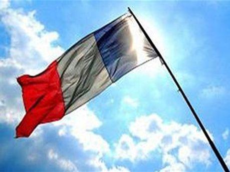 Франція бачить політичні мотиви в українських судах