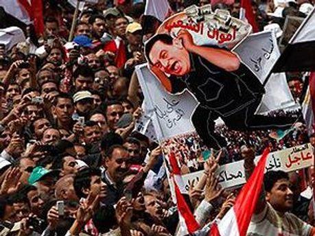 Массовые беспорядки в Египте - демонстрантам удалось свергнуть режим президента Мубарака