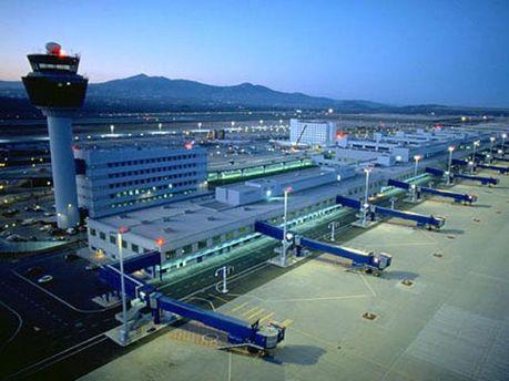 Роботу аеропорту Афін паралізують авіадиспетчери