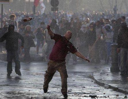 Церковь осудила действия протестующих