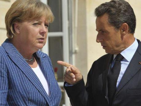Ніколя Саркозі ніяк не може вмовити Ангелу Меркель