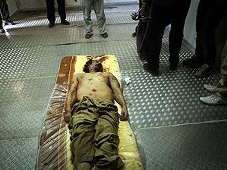 Каддафі помер дорогою до Сирта