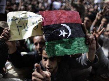 НАТО пробудет месяц в Ливии