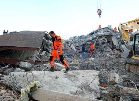 На востоке Турции произошло землетрясение магнитудой 7,2