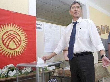 На выборах одержал уверенную победу Алмаз Атамбаев