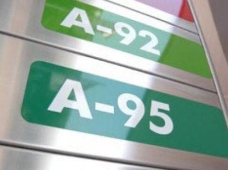 Автозаправки отримують 1-1,8 гривень націнки