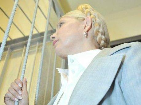 Тимошенко общается с поклонниками через адвокатов
