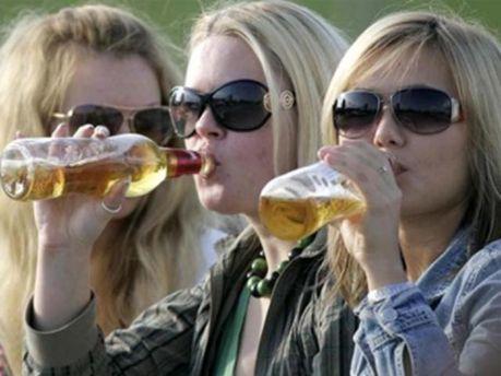 Украинцы выпивают ежегодно ведро чистого спирта