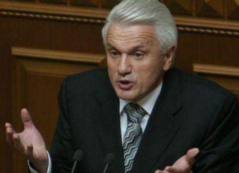 Володимир Литвин вважає, що на хвилі невдоволення політики нарощують рейтинги