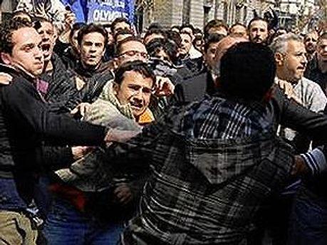 В Сирии продолжаются массовые беспорядки и столкновения