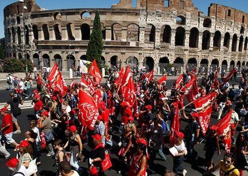 Итальянцы протестуют против антикризисных мер правительства