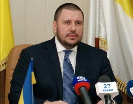 Азаров поручил Клименко заняться детенизацией