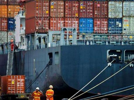 Дефіцит зовнішньої торгівлі України зріс в 4,4 рази