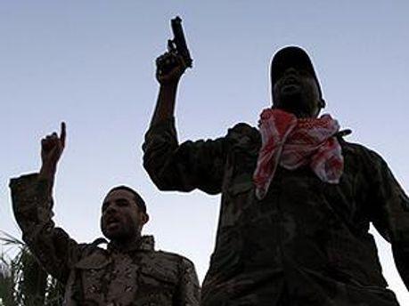 Близ Триполи слышны выстрелы