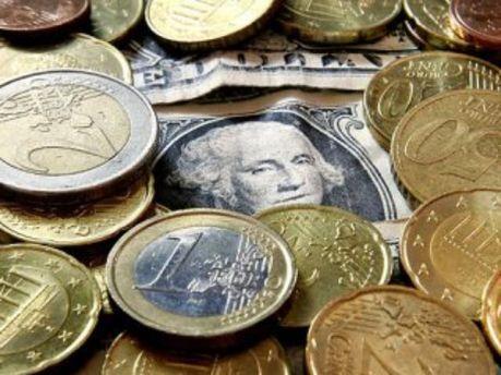 Межбанк: евро подешевел, доллар - стабильный