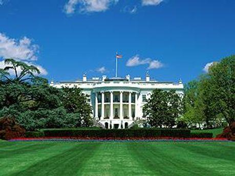 Дві кулі потрапили у Білий дім