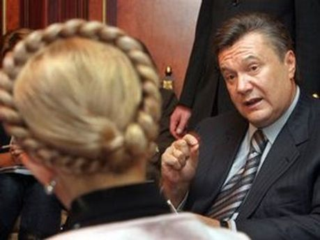 Почти половина украинцев считает, что окончательное решение по делу Тимошенко примет Янукович