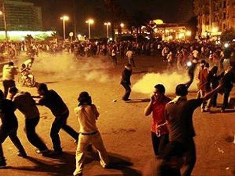 Демонстранти згодом повернулись на головну площу єгипетської столиці