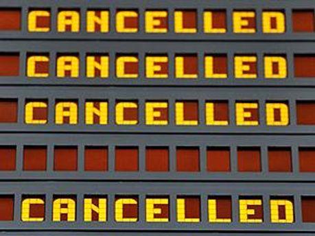 Понад 150 рейсів скасували у Лондоні