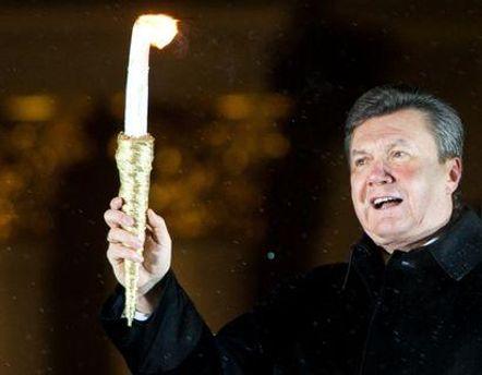Янукович особисто подарує ялинку Ватикану