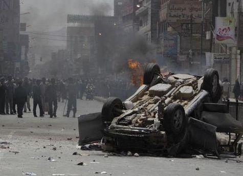 Столкновения начались после того, как Салех улетел из страны