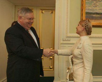 Джон Теффт та Юлія Тимошенко наприкінці 2009 року