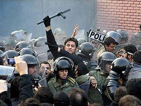 Полиция выдвинула ультиматум, протесты прекратились