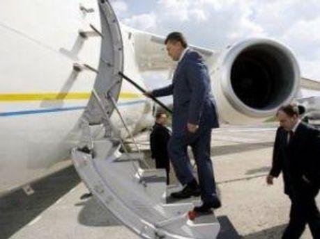 Виктор Янукович улетает