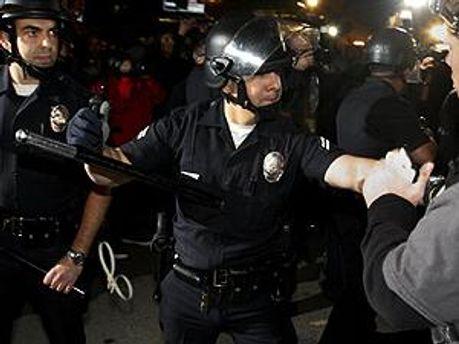 Поліція не застосовувала силу до останнього