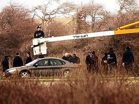 Загалом поліція знайшла 10 трупів