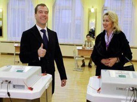 Дмитро Медведєв з дружиною Світланою