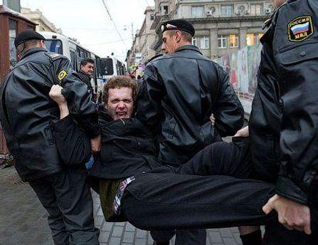Правоохранительные органы разогнали несанкционированные митинги