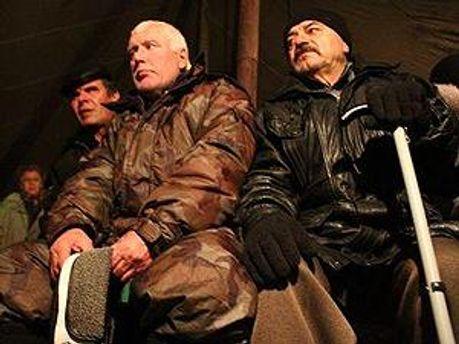 Донецкие «чернобыльцы» хотят компенсации для всех