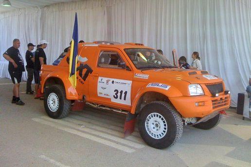 Автомобіль команди Sixt Ukraine