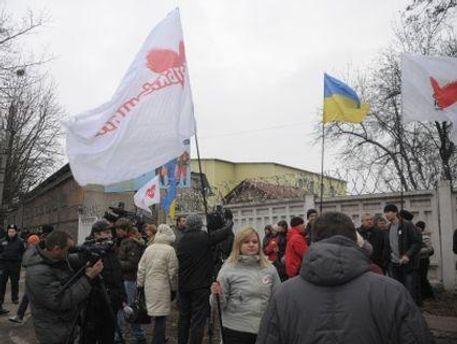 В палатках будут раздавать агитационную продукцию и принимать письма к Тимошенко