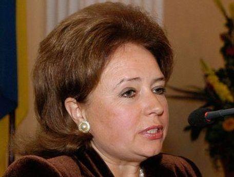 Ніна Карпачова вказує на істотні порушення законодавства