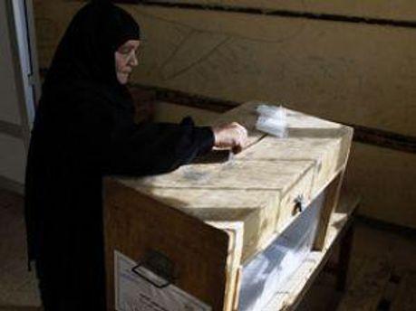 В Египте люди голосуют