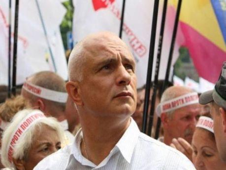 Олександр Тимошенко під прапорами