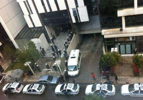 Офис радиостанции окружила полиция