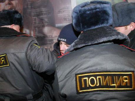 Російські поліцейські затримали двох громадян Узбекистану