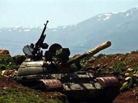 До міста підтягнули танки