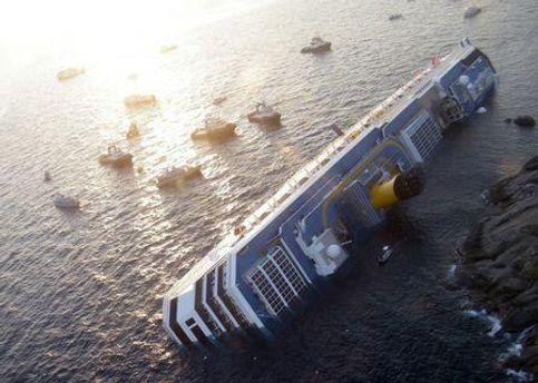 Ще 15 пасажирів судна вважають зниклими безвісти