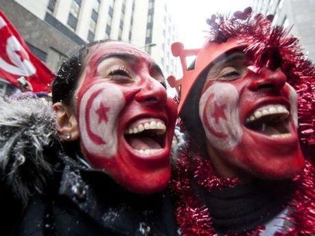 Тунісці вийшли на вулиці святкувати повалення режиму